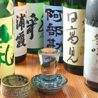 【常時40種類以上の東北の地酒を中心としたラインナップ】