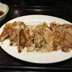 麺の坊 晴天 - 秀鳳       焼き餃子