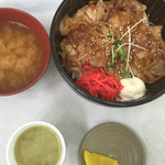 52909329 - 香り豚生姜焼き丼❗️