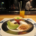 さが風土館 博多季楽 - マンゴープリン、アンデスメロン、蕨餅(黒蜜・黄粉)、みかんジュース