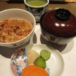さが風土館 博多季楽 - 味噌汁、香の物と
