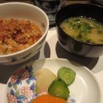 さが風土館 博多季楽 - 味噌汁の具は、生海苔と豆腐と葱
