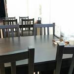 土佐麺処 康 - テーブル席
