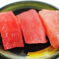 駿河湾朝獲れ回転寿司のぶちゃん - 三種まぐろ握り