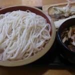 52913007 - 麺大盛と肉きのこ汁