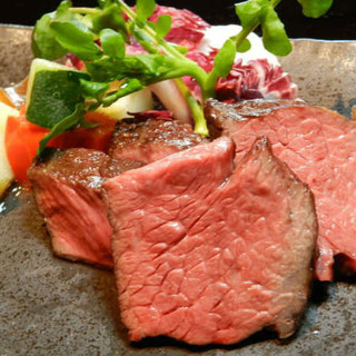 """旨みが凝縮された""""熟成肉""""、お好みで盛合せも承ります"""