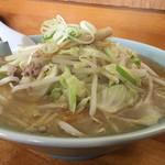 52917545 - 2016年6月。会津みそラーメン。丼でかい!野菜とスープたっぷり!