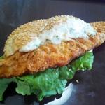 52924165 - 白身魚の極みバーガー399円
