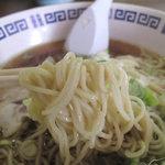 福楽軒 - こちらの麺も、ツルツルなめらかーん♪な細麺です。
