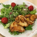 The Manhattan FISH MARKET - Citrus Mesclun Salad with Cajun Chicen