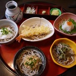 館乃総本店 - 五色蕎麦