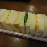 52941624 - ポテト&エッグサンド+コーヒー 390円