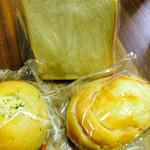 梅原製パン 直売所 ちいさなぱんやさん - 食パン、ハムチーズ、じゃが丸