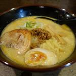 家紋らーめん茶屋 快 - 2016.06 店イチオシの卵タン麺(750円)