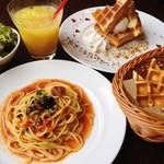 SoRa cafe feat.waffle cafe Sign - 料理写真:ハッピースペシャルランチセット