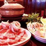 まいうー食堂 - エゴマ豚を使った豚肉しゃぶしゃぶと創作料理のお店です.。