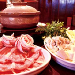 福島産エゴマ豚を使った豚肉しゃぶしゃぶと創作料理のお店です.。