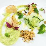 チンギアーレ - 帆立貝のパデッラ 枝豆のピューレ ヘーゼルナッツとチーズのパウダー/季節のコースから