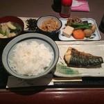 料理とお酒 ちどり - 焼魚 塩鯖 650円