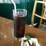 レターレ - アイスコーヒーとティラミス