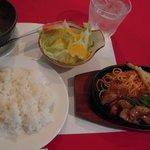 洋食 羽柴 - ポークロース生姜焼セット