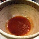 千里しゃぶ亭 - これがスープです。 圧縮されています。 ここに鍋の出汁を4~5杯入れます。 麺は2分程で出来上がります。