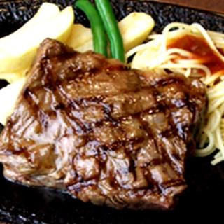 伝統の味ハラミステーキ!炭火で焼くステーキは格別です♪