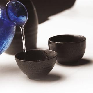 厳選した、日本全国の銘酒を取り揃えております。