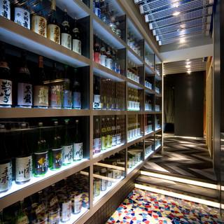 150本の地酒ボトル棚