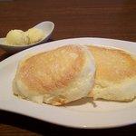 ダイニングカフェ リュクス - パンケーキ&バニラアイス