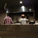つけ麺 五ノ神製作所 - オシャレな厨房
