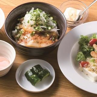麺処 大田屋 - 料理写真:ハーフちゃーしゅう丼ランチ