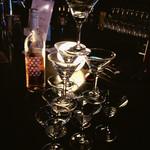 MEETS - シャンパンタワー。コース注文で無料!