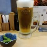 鳥金 - 生ビール(580円)は、プレミアムモルツだった。