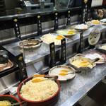 美山 - お野菜や麺 ご飯はバイキング形式