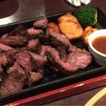 とりあえず吾平 - 牛肉のステーキ