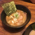 らー麺 鉄山靠 - しょうゆとんこつ 太麺