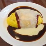 ポムの樹 カフェ - 料理写真:特製デミソースのダブルチーズオムライス