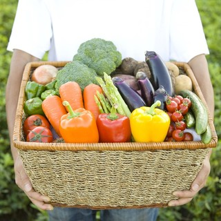 体に優しい手作り惣菜が20種以上並びます。