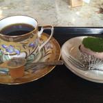 喫茶 たなかや - 小倉抹茶ケーキ、コーヒー