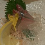とりかく - しまあじの刺身(518円)