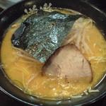 53019500 - 20160630 朝7時すぎ ラーメン麺固め,味少し濃いめ,脂少し多め