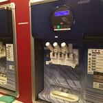ノースヘブン - フローズンソフトクリームの機械が2台\(^o^)/