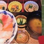 鯛めし魚然 - 海鮮どんぶり膳