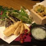 53026883 - 鱧と季節野菜の創作天ぷら