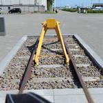 夢食館 北市場 - 列車の車止めレール