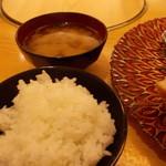 53030818 - ご飯とお味噌汁