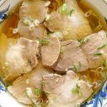 美好食堂 - チャーシュー麺 しょっぱくて肉肉しいチャーシュー 見ただけで美味いとわかる自家製麺 だからか! 一人前の麺の量が多いのは! ホントはソースカツ丼も食べたかったんだよなぁ。