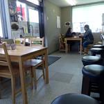 久留米ラーメン 玄竜 - 「玄竜」テーブル席