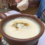 横浜チーズカフェ - フォンデュで芋を、残りトマトパプで